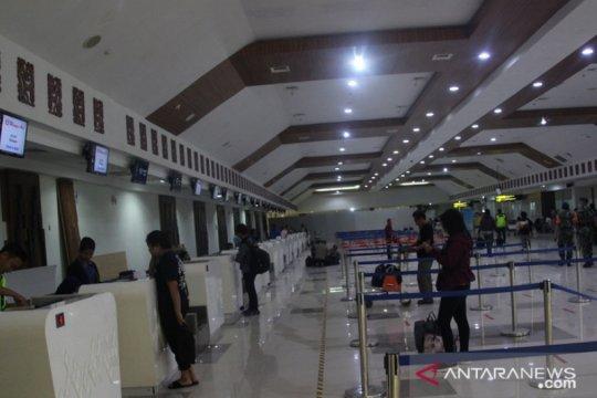 Arus penumpang di Bandara El Tari Kupang anjlok hingga 50 persen