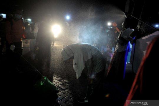 Santri dan pekerja migran yang pulang ke Badung terus dipantau