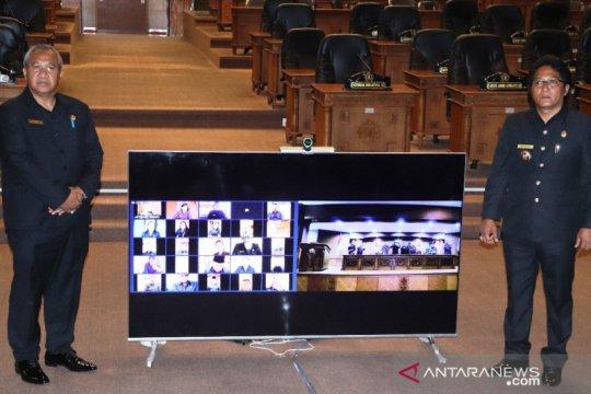 Pemkab-DPRD Badung lakukan sidang paripurna secara daring