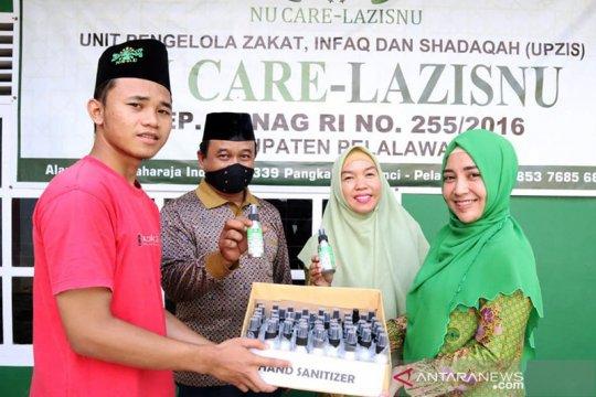 Muslimat NU Pelalawan ganti harlah dengan bagikan 3.000 hand sanitizer