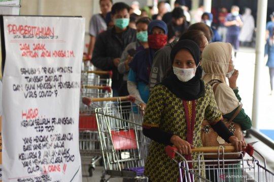 """Pemerintah perlu antisipasi jika """"panic buying"""" terus terjadi"""