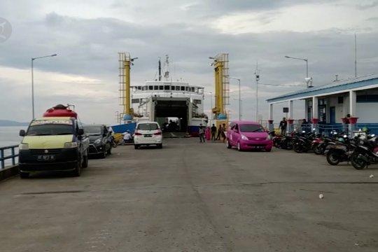 ASDP Kolaka lakukan pembatasan penumpang kapal ferry