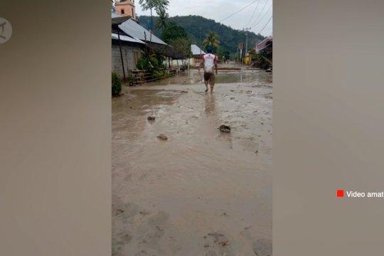 Banjir bandang terjang Desa Lengkeka di Poso