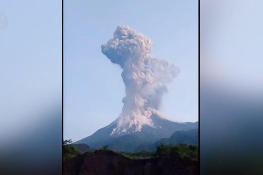 Suara gemuruh dan gempa dirasakan warga Merapi