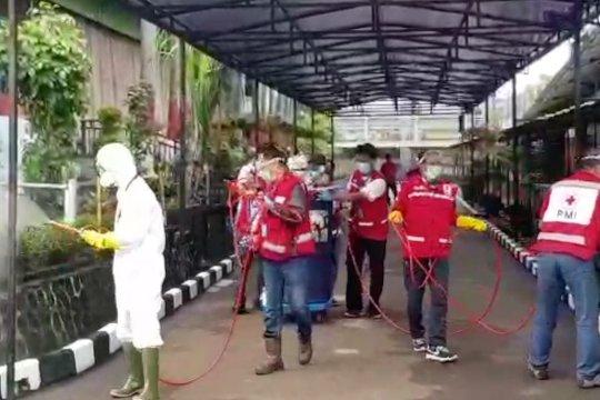 Yasonna dan JK pantau penyemprotan disinfektan di Lapas Cipinang