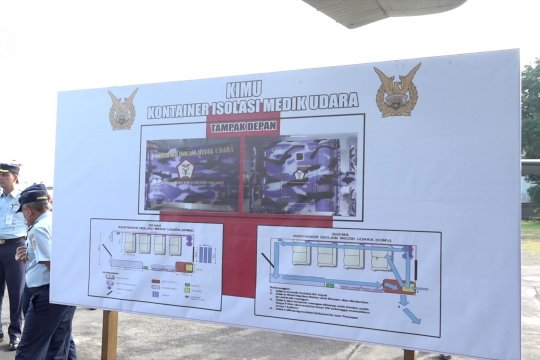 Panglima TNI tinjau kontainer isolasi medik udara TNI AU