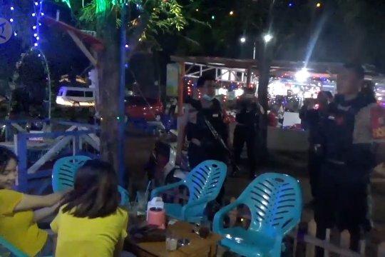Polres Palu datangi tempat keramaian larang warga berkumpul