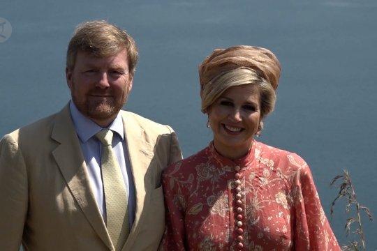 Raja dan Ratu Belanda melancong ke Danau Toba