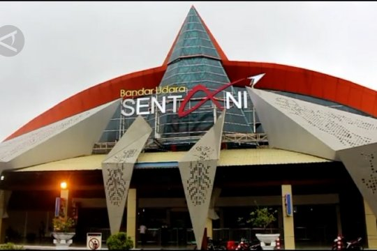 Penerbangan di Bandara Sentani terbatas hanya militerdan cargo