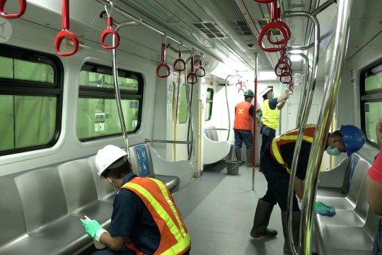 Upaya pencegahan penyebaran COVID-19 di gerbong LRT Jakarta
