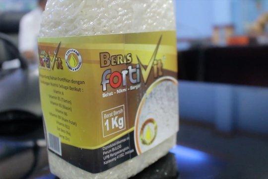 Memperkenalkan beras bervitamin untuk tekan stunting di Sumbar