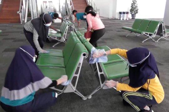 Seluruh kawasan di Bandara Ahmad Yani Semarang disterilisasi