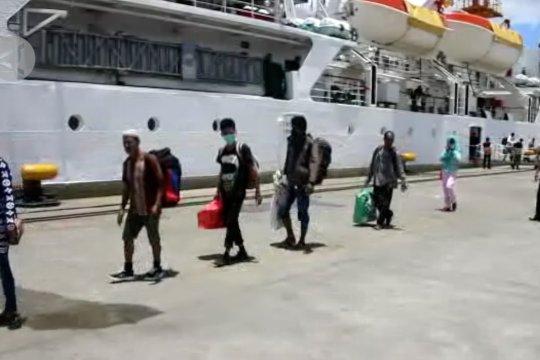 Pelabuhan Ahmad Yani Ternate perketat penumpang masuk ke Maluku Utara