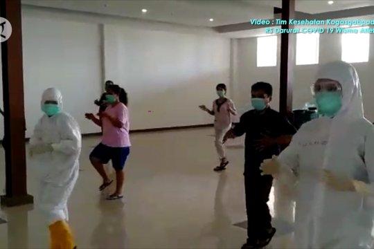 Ketika TNI ajak pasien RSD Wisma Atlet berolahraga