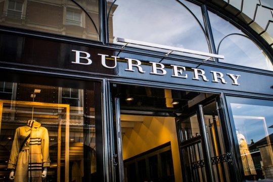 """Burberry rencanakan pagelaran busana """"phygital"""" untuk Musim Semi 2021"""