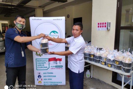 PMI Jaksel terima bantuan 150 paket makanan untuk relawan