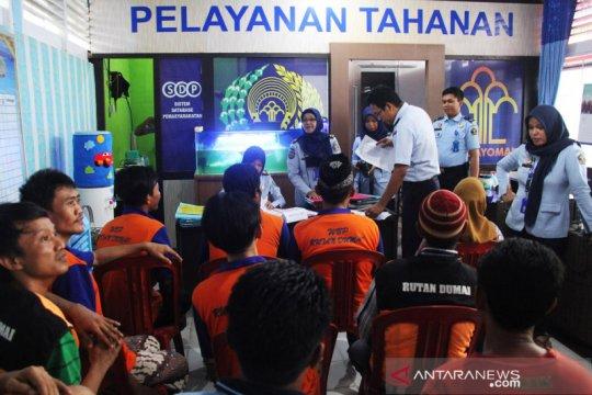 21 narapidana Rutan Dumai dibebaskan untuk redam COVID-19