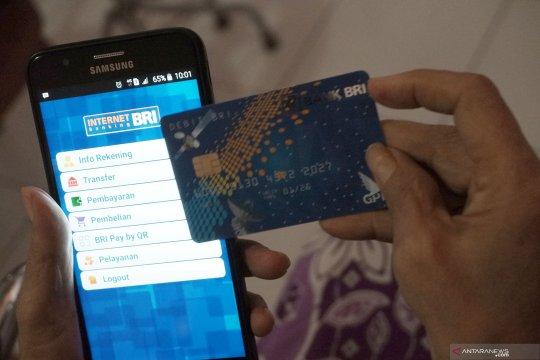 Transaksi mobile dan internet banking melonjak, penggunaan ATM turun