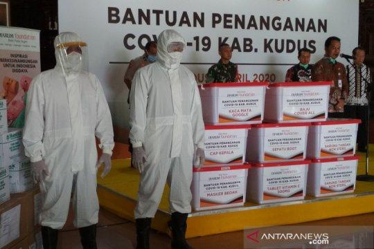 Bantuan APD Rp1,5 miliar untuk tim medis diterima Bupati Kudus