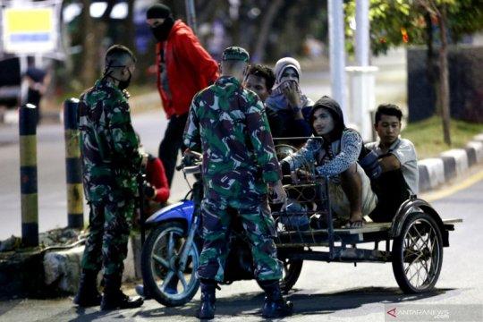 Penerapan jam malam cegah wabah  COVID-19 di Aceh