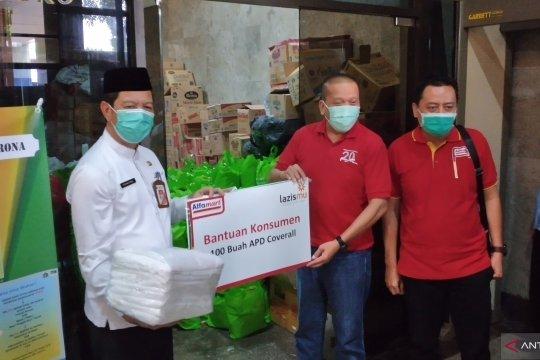 Jakbar terima bantuan ratusan sembako dan APD dari Alfamart