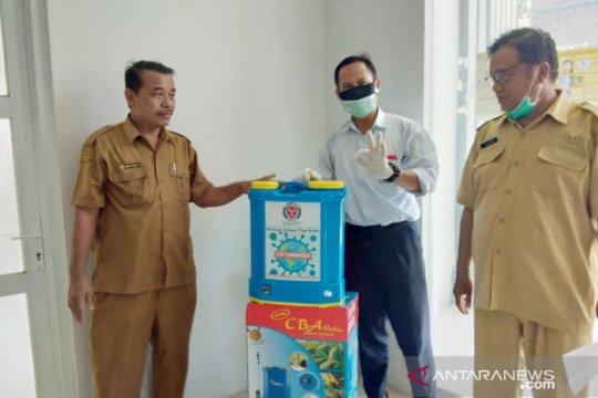 Indocement sumbangkan  disinfektan untuk desa-desa di Bogor