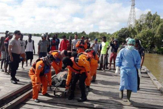 Warga Merauke temukan korban kebakaran kapal LCT