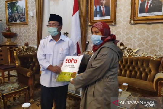 DPR RI berikan bantuan APD untuk tenaga medis Cianjur