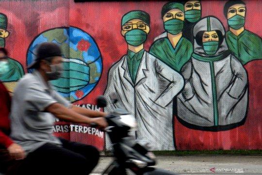 Virus corona sengaja disebarkan dokter-apoteker Indonesia? Cek faktanya