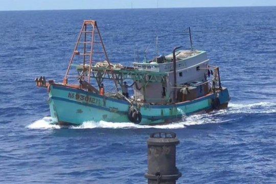 KKP lumpuhkan dua kapal ikan asing ilegal di Laut Natuna Utara