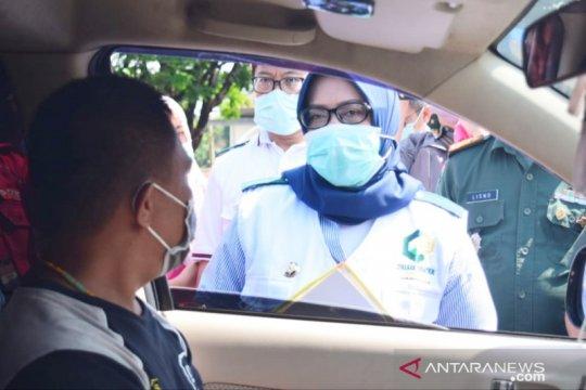 Bupati Bogor periksa kendaraan plat B yang masuk Jalur Puncak