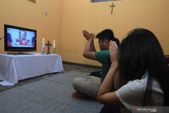 Misa Minggu Palma di rumah