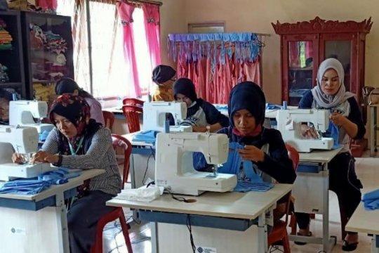 BLK dan Karang Taruna Ogan Komering Ilir produksi ribuan masker