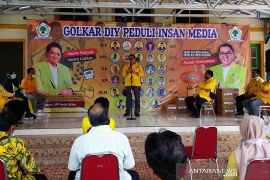 Anggota DPR harapkan pers juga beritakan cara benar hadapi COVID-19