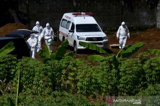 Pemakaman jenazah COVID-19 di Gowa