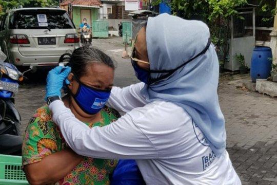 Demokrat Surabaya bagikan 10 ribu masker cegah COVID-19