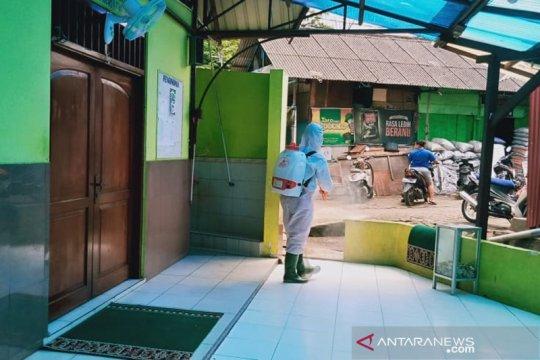 Penyemprotan disinfektan oleh PMI Jaksel jangkau 824 titik