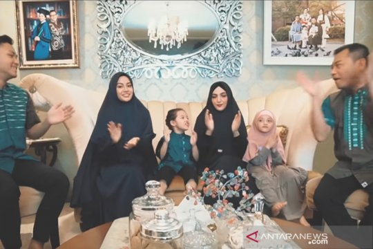 "Keluarga Anang Hermansyah rilis ""Menyambut Ramadhan"" di tengah corona"
