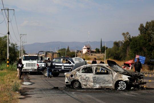 Baku tembak antargembong narkoba tewaskan 19 orang di Meksiko