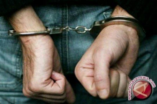 Polresta Padang tangkap pencuri ban mobil gunakan karung pasir
