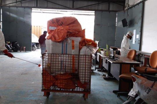 Pos Indonesia pastikan pengiriman barang berjalan normal