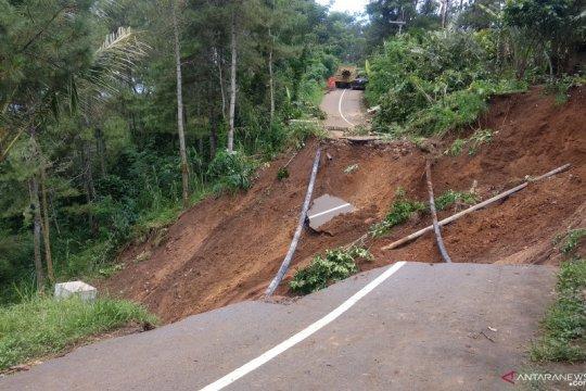 Trenggalek buka jalan baru di jalur selingkar Wilis terdampak longsor