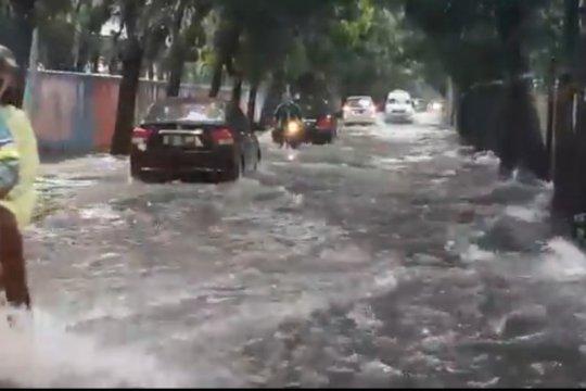 Jakarta akan diguyur hujan sejak Minggu pagi