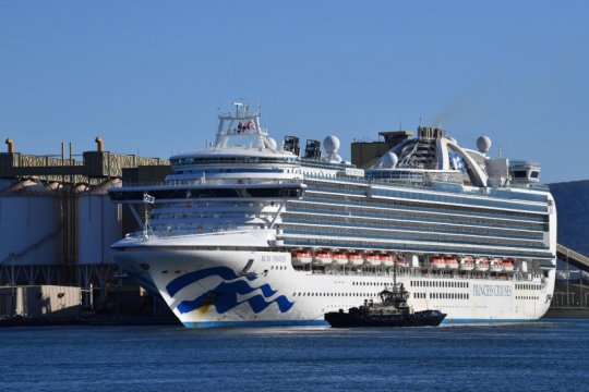Penumpang kapal terjangkit corona kembali dibiarkan turun di Australia