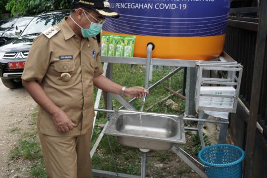 Cegah penyebaran COVID-19, BI NTT bantu wastafel untuk warga Kupang