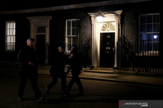 Dirawat di ICU, PM Inggris membutuhkan oksigen
