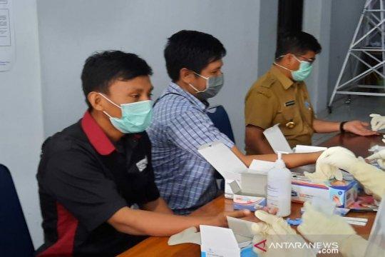 Negatif, puluhan wartawan di Kendari jalani tes cepat COVID-19