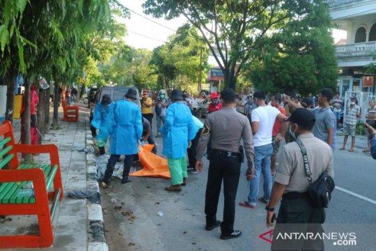 Polisi selidiki jasad seorang pria ditemukan meninggal di Padang