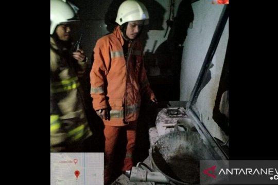 Dua karyawan terluka bakar di toko pisang manis di Tamansari