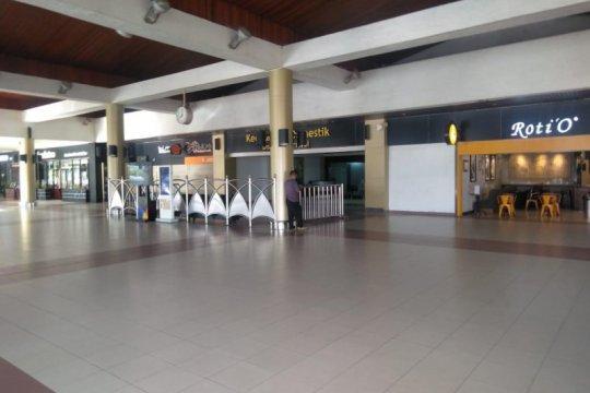 Penumpang pesawat di Bandara Minangkabau turun hingga 80 persen